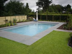 Outdoor swimming pool by VSB Wellness Small Pool Design, Swimming Pools Backyard, Pool Designs, Pacific Northwest, Wellness, Outdoor Decor, Pools