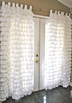 Small Ruffles Curtain by PaulaAndErika on Etsy