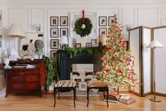 This Interior Designer Goes All-Out for the Holidays—Take a Look Inside His Home Traditional Interior, Christmas Tree, Holiday Decor, Home Decor, Homemade Home Decor, Traditional Home Decorating, Xmas Tree, Xmas Trees, Interior Design