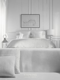 Sun-bleached shades, rustic wood and a cool, contemporary flair. Luxe bedden en bedlinnen Slaapkenner Theo Bot Zwaag www. Sweet Night, Home Bedroom, Bedrooms, Cool Beds, Classic Collection, Bedding Collections, Rustic Wood, Luxury Bedding, The Hamptons
