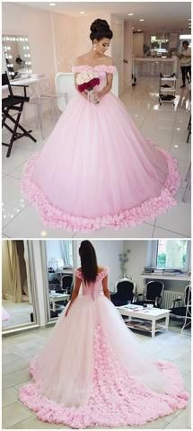 2d14dba2ec7b Shop for prom dresses 2018 online at OKDRESSES. Find your dream prom dress  and gowns online with a variety of amazing colors, designs, and sizes.