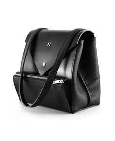 Hexane Shoulder Bag - Black Leather by Nicolas Theil - www.french-mode.com #nicolastheil #jewelry #leathergoods #jewels #madeinfrance #frenchdesigner #frenchmode #luxury