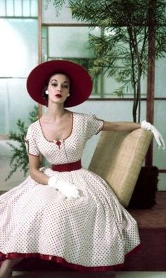 Jean Patchett wearing polka dot dress, June 1952, photograph by Frances McLaughlin Gill