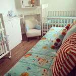 Instagram photo by studionoblesavage -  O mundo é pequeno para os gêmeos deste lindo e moderno quartinho de bebê!  Kits de berço, cama da babá e almofadas de nosso Studio com Projeto da arquiteta Juliana Vervloet. #studionoblesavage  @juvervloet