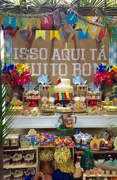 Junina Party Panel: How To Create 60 Creative Panel Ideas 1 Year Old Birthday Party, Boy Birthday, Moana Party, Fiesta Theme Party, Party Themes, Baby Tea, Small Flags, Quinceanera Themes, Party Decoration