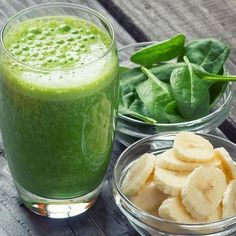 Immune Boost: Smoothie - Your Healthy Living With winter fast approaching, it's time to boost the immune system. Try this green smoothie full of key nutrients to help fight the yearly winter bugs, from nutritionist Sally Wisbey Smoothies Banane, Green Smoothie Cleanse, Green Smoothie Recipes, Dinner Smoothie, Weight Loss Smoothie Recipes, Diet Recipes, Healthy Recipes, Cleanse Recipes, Peanuts