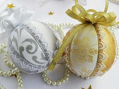 This two ornaments are made with embroidered lace and beautiful gold and silver textiles placed on a styrofoam ball by technique kimekomi.Created handmade