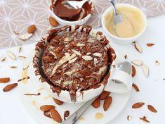 ✅ Chia Schoko Mugcake mit Mandelmus, Schoko Topping und Smacktastic Cream ✅ Lecker und nur in nur wenigen Minuten zubereitet! ✅