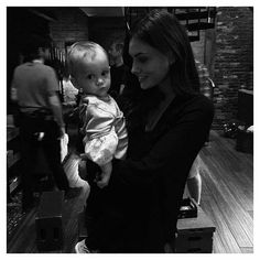 Uploaded by Líljen. Find images and videos about baby, The Originals and phoebe tonkin on We Heart It - the app to get lost in what you love. Phoebe Tonkin, Vampire Diaries, Klaus And Hope, Dread Doctors, Michael Malarkey, Hot Dads, Live Girls, Social Trends, Couple Beach