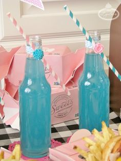 Cruise Into the 1950s With These Fab Party Ideas *