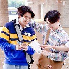 Jungkook Abs, Foto Jungkook, Bts Suga, Bts Bangtan Boy, Foto Bts, How To Express Feelings, Korean Group, About Bts, Fine Men