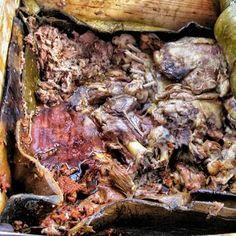 Barbacoa en México D.F.  Carne de Borrego impresionantemente jugosa por la forma en que la cocinan.  http://www.onfan.com/es/especialidades/mexico-city/restaurante-arroyo/barbacoa?utm_source=pinterest&utm_medium=web&utm_campaign=referal