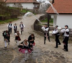 High Speed Photography, Time Lapse Photography, Folk Dance, Folk Costume, Costumes, Warsaw, Taking Pictures, Folklore, Techno