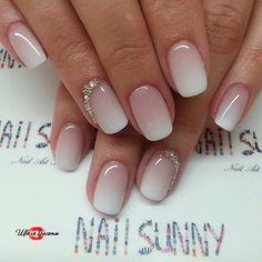 Manicure with soft color transition