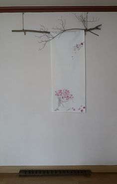 Fabric Painting, Fabric Art, Korea Design, Japanese Aesthetic, Exhibition Display, Hand Embroidery Designs, Art Of Living, Sustainable Design, Flower Prints