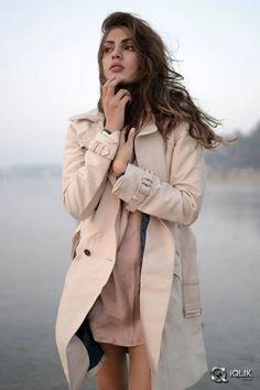 Rhea Chakraborty Hot Stills, Photoshoot 2017 ★ Desipixer ★ Indian Bollywood, Bollywood Stars, Bollywood Actress, Casual Work Outfits, Work Casual, Star Fashion, Fashion Outfits, Womens Fashion, Indian Celebrities