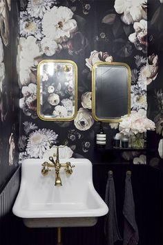 Gravity Home - NY loft bathroom nobs for hand towel loops Ny Loft, Soho Loft, Warehouse Loft, New York Loft, Loft Interior Design, Loft Design, Modern Design, Painted Brick Exteriors, Gravity Home
