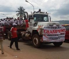 Is this how Enugu Rangers paraded their Nigeria premier league trophy? (photo)   Whatsapp / Call 2349034421467 or 2348063807769 For Lovablevibes Music Promotion   After 32 years of waiting Enugu Rangers finally won the Nigeria Professional League last month and were rewarded with N40 million by the NFF and League Management Company.  The team had a trophy paradeon Saturdayaround Enugu main town and according to Veteran Sports journalist Colin Udoh they paraded the trophy using an old dirty…