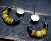 bohemian earrings • tribal earrings • African beads • black vinyl • Moroccan yellow shell • hoop earrings • ethnic jewelry • entre2et7