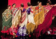 Manila Shawl - Flamenco dancers. Splendid style.