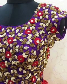 Alluring handwork motifs crafted with so much intricacy and perfection! Beautiful purple color designer blouse with floret lata design hand embroidery thread work. Saree Blouse Neck Designs, Designer Blouse Patterns, Fancy Blouse Designs, Bridal Blouse Designs, Hand Work Blouse Design, 23 December, January 2018, Thread Work, Embroidery Thread