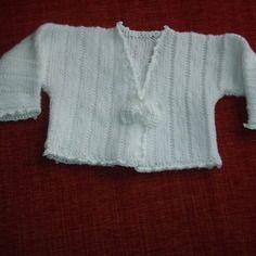 Gilet court baptême blanc tricoté main 9/12 mois