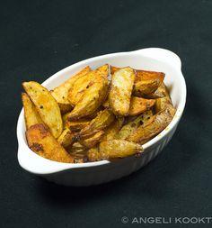 Patatas bravas en aioli