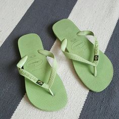 Havianas green 37-38 flats Worn several times Moderate wear havianas Shoes Sandals