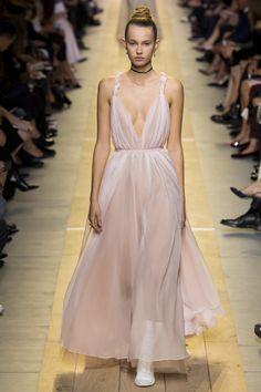 Christian Dior коллекция   Коллекции весна-лето 2017   Париж   VOGUE