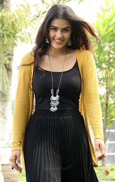 Kavya Thapar Bollywood Actress Bikini Photos, Beautiful Bollywood Actress, Most Beautiful Indian Actress, Beautiful Actresses, Pakistani Girls Pic, Indian Girls, Beautiful Girl In India, Beautiful Girl Photo, Indian Celebrities