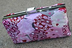 One Yard Pixie Hexie Wallet | This DIY wallet tutorial is perfect for quilting beginners!