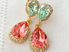 Peach coral clear mint Chandelier earrings por EldorTinaJewelry, $84.00