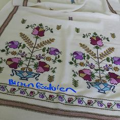 """214 Beğenme, 11 Yorum - Instagram'da BİRSEN GÖRDÜREN (@hesapisi): """"#üzümlüdokumasısiparişalınır #hesapişi #kasımelsanatları #birsengördürenatölyesinden #elemeği…"""" Turkish Fashion, Diy And Crafts, Cross Stitch, Embroidery, Instagram Posts, Style, Yandex, Cross Stitch Embroidery, Hand Embroidery"""