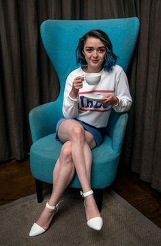 game of thrones maisie williams Maisie Williams Sophie Turner, Beautiful Celebrities, Beautiful People, Beautiful Women, Arya Stark, Swagg Girl, Sexy Legs, Actors & Actresses, Dame