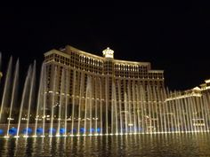 Another free show - the Bellagio fountains