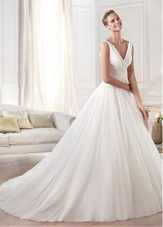 Elegant Chiffon V-neck Neckline Natural Waistline A-line Wedding Dress