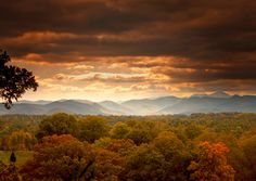 Early fall in the Blue Ridge mountains! This beauty inspires ~ Peaceful Places, Beautiful Places, Beautiful Pictures, Beautiful Scenery, Mountain City, Vacation Memories, The Mountains Are Calling, Blue Ridge Mountains, Future Travel