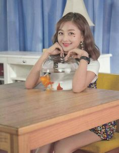 Nayeon, Kpop Girl Groups, Kpop Girls, Jihyo Twice, Twice Once, Hirai Momo, Dahyun, Queen, What Is Love
