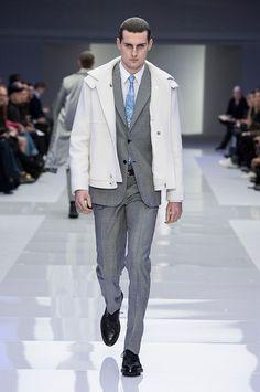 Versace Men's FW16 Brings Back The Metallic Trend - Design Scene ...