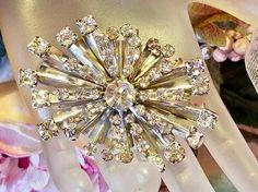 Retro Round Clear Crystal Rhinestone Spray Starburst Floral