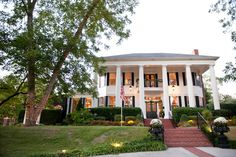 Beautiful Victoria Belle Mansion. I could have never dreamed of a better place to get married to host a southern wedding. | Southern Glam wedding