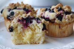 Blåbärsmuffins med vaniljkräm o h crunch