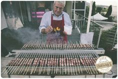 Arrosticini (small meat skewers), a nice appetizer. Ph Adriano Mazzocchetti - http://www.brideinitaly.com/2014/02/mazzocchetti-teramo.html #italianstyle #wedding