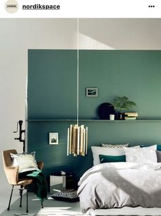 30 Turquoise Room Ideas for Your Home - BOlondon - Houses interior designs Bedroom Green, Green Rooms, Master Bedroom, Single Bedroom, Green Walls, Bedroom Colors, Emerald Bedroom, Green Bedroom Design, Burgundy Bedroom
