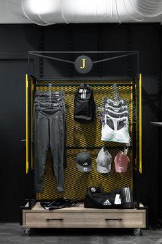 Boutique Interior, Clothing Store Interior, Clothing Store Design, Gym Interior, Retail Interior, Shoe Store Design, Retail Store Design, Strip Led, Showroom Design