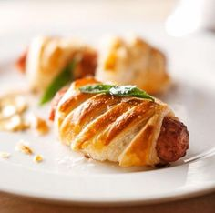 These sausage rolls are classic pub food gone haute. - Traditional Home ® / Photo: John Bessler