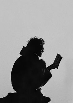 Que lea, siempre es un buen momento para leer.