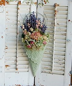 Cottage Dried Flower Arrangement