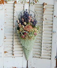 Cottage Dried Flower Arrangement