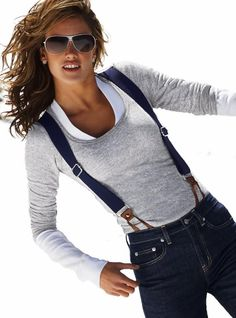 Alessandra Ambrosio modeling perfectly how women can wear braces and look chic… Classy Outfits, Casual Outfits, Fashion Outfits, Womens Fashion, Alessandra Ambrosio Style, Stretch Jeans, Suspenders Outfit, Look Office, Style Masculin